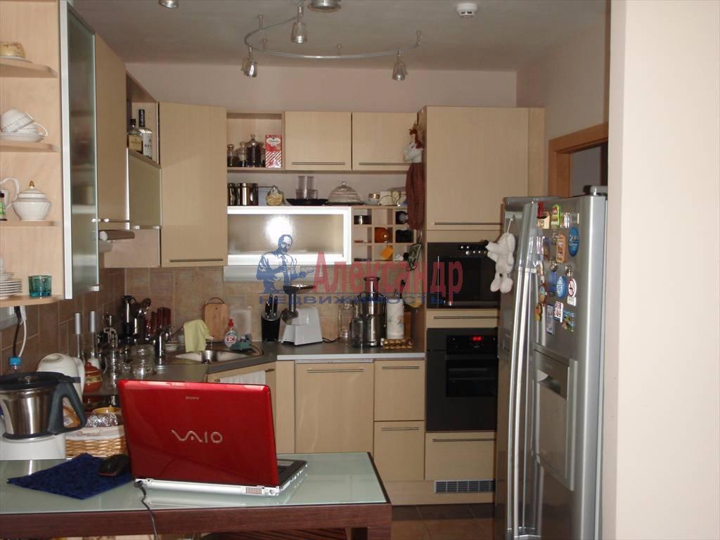 3-комнатная квартира (64м2) в аренду по адресу Павловск г.— фото 2 из 5