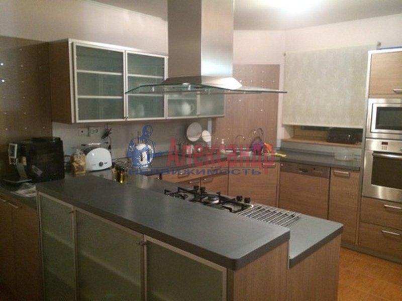 2-комнатная квартира (80м2) в аренду по адресу 2 Никитинская ул.— фото 2 из 3
