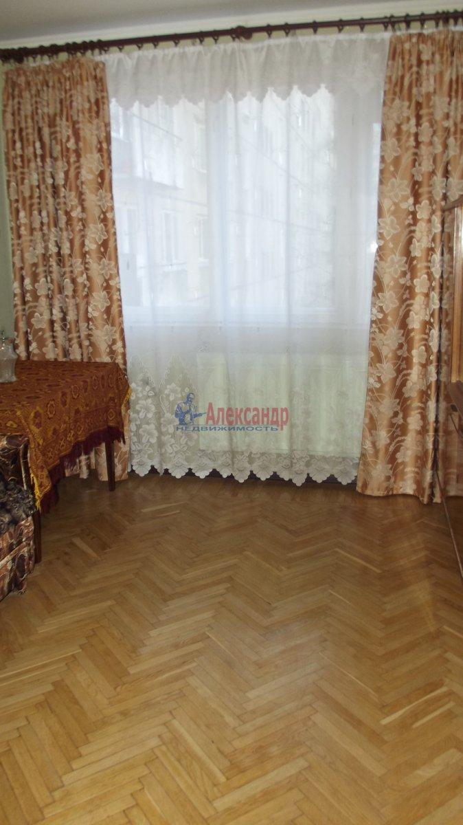 Комната в 3-комнатной квартире (70м2) в аренду по адресу Новаторов бул., 35— фото 2 из 3