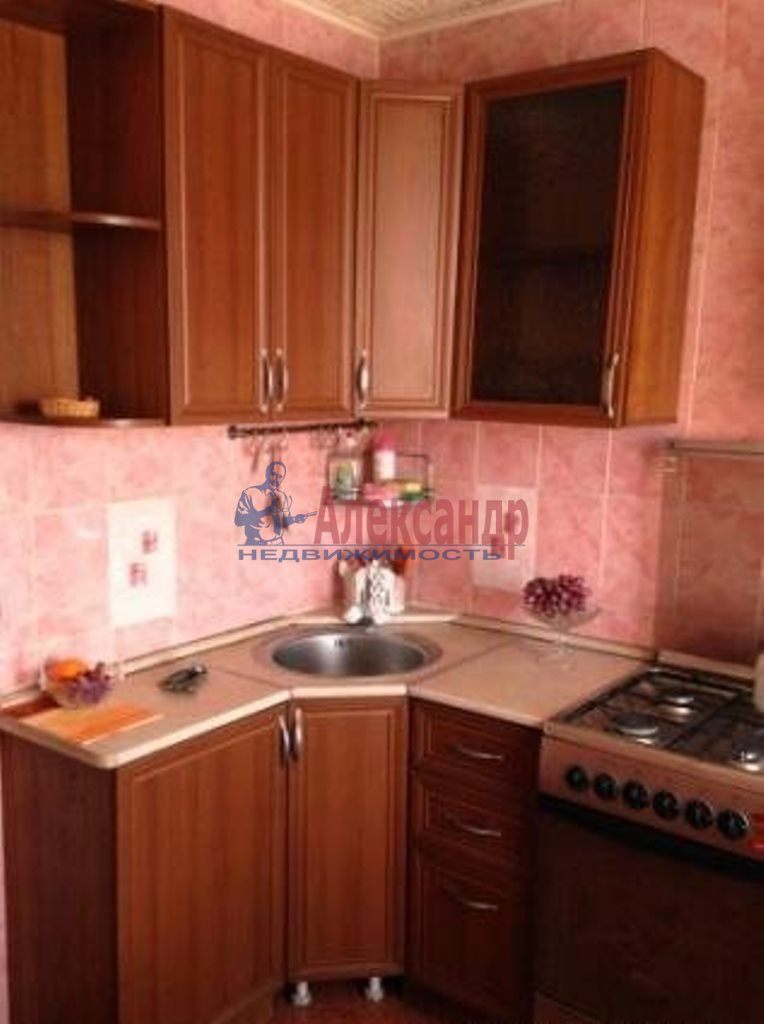 1-комнатная квартира (35м2) в аренду по адресу Дальневосточный пр., 38— фото 2 из 3