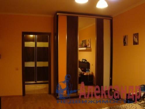 2-комнатная квартира (70м2) в аренду по адресу Генерала Симоняка ул., 4— фото 3 из 7