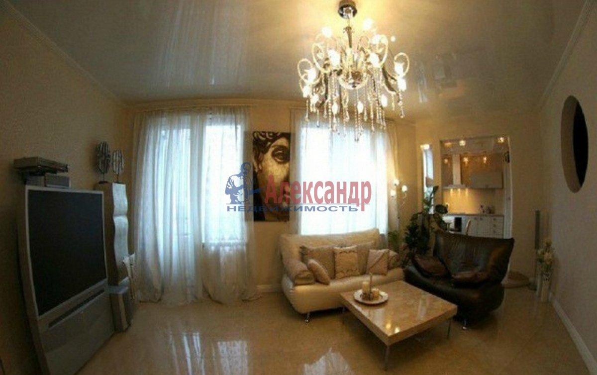 3-комнатная квартира (78м2) в аренду по адресу Невский пр.— фото 1 из 3