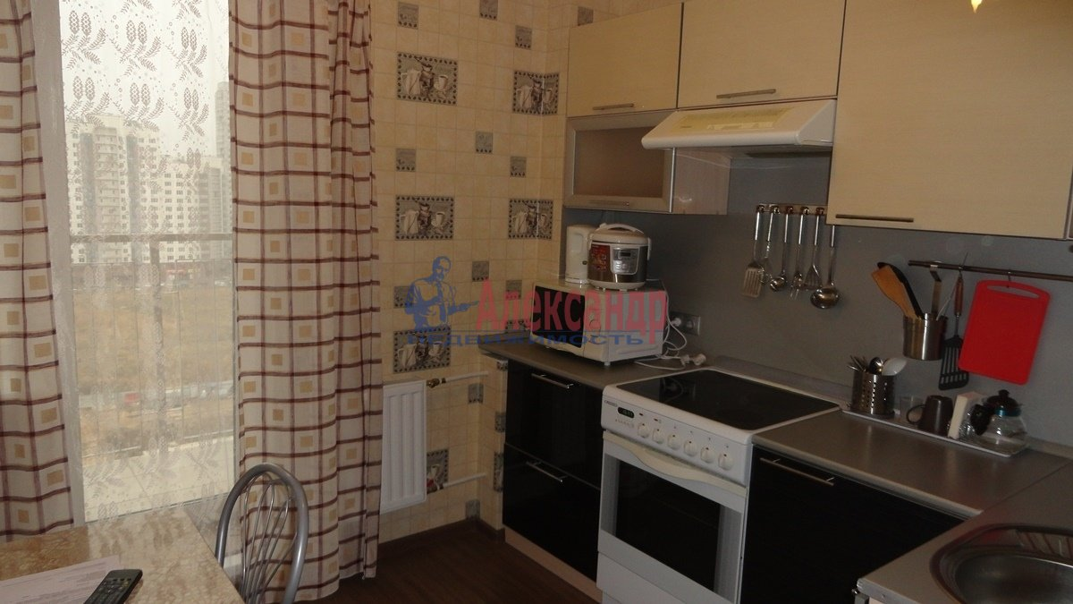 1-комнатная квартира (39м2) в аренду по адресу Шуваловский пр., 84— фото 1 из 5