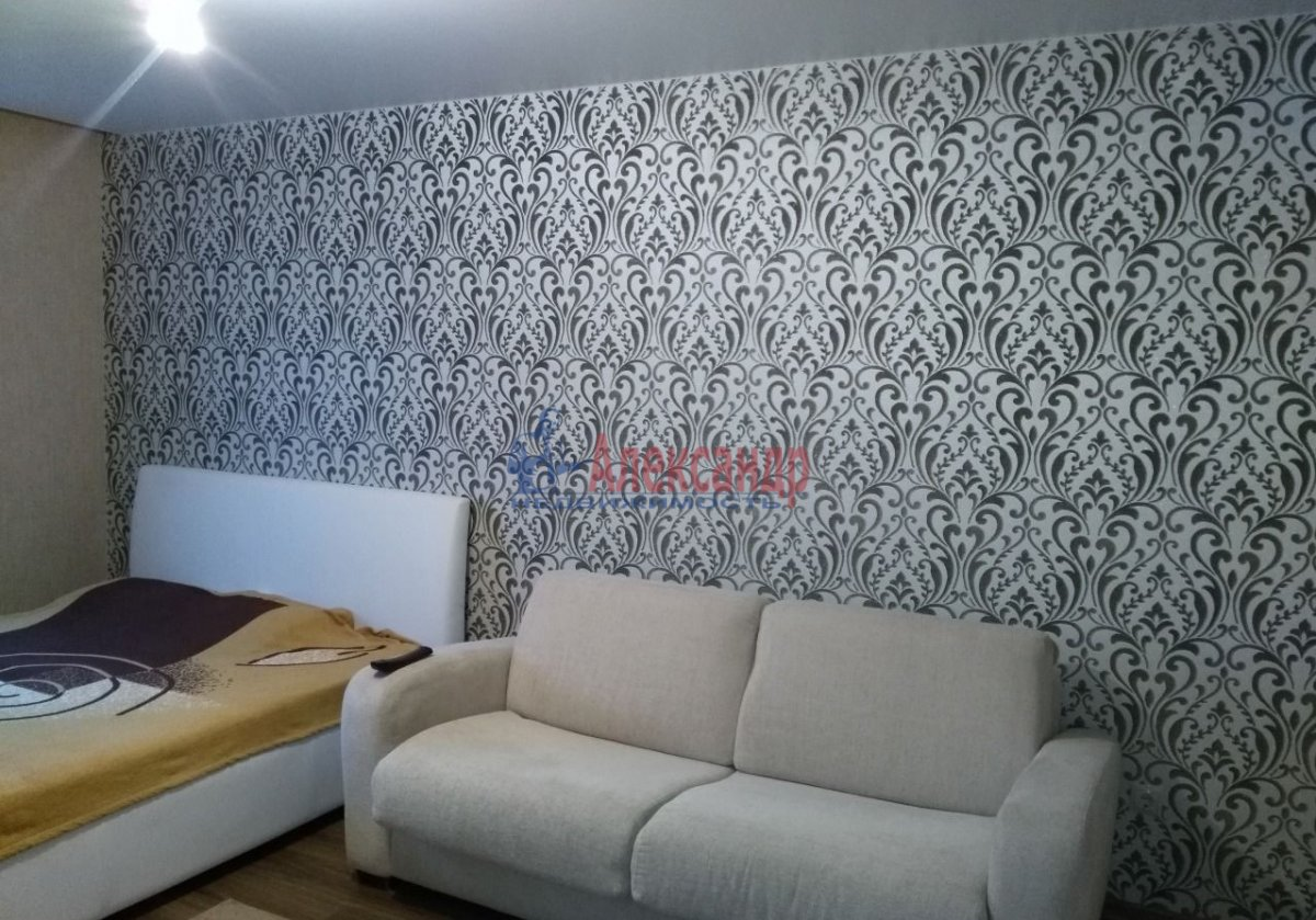 1-комнатная квартира (53м2) в аренду по адресу Российский пр., 14— фото 2 из 7