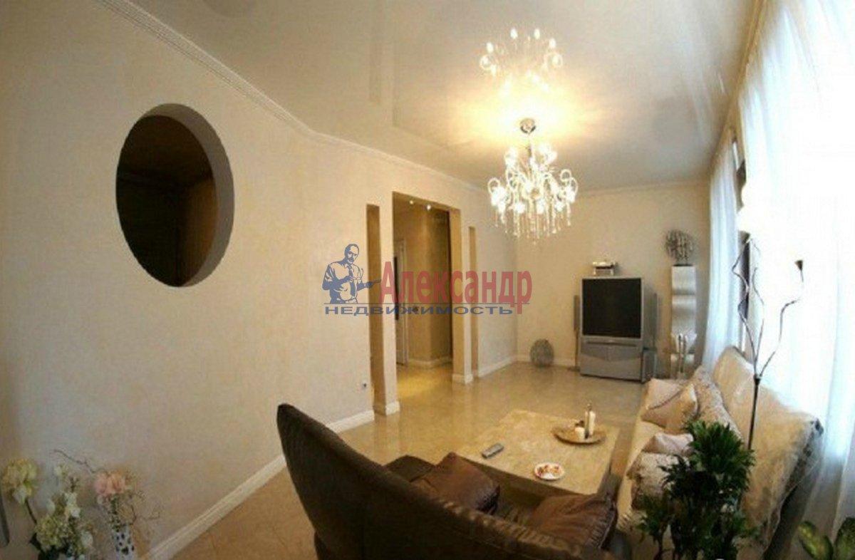 3-комнатная квартира (78м2) в аренду по адресу Невский пр.— фото 2 из 3