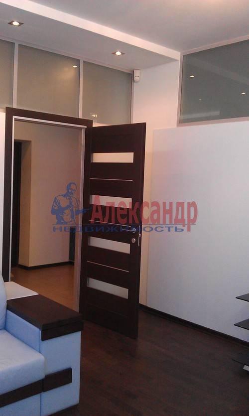 1-комнатная квартира (60м2) в аренду по адресу Коломяжский пр., 15— фото 1 из 19