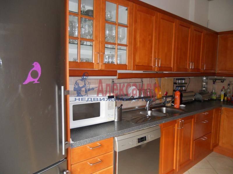 3-комнатная квартира (90м2) в аренду по адресу Пушкинская ул., 18— фото 3 из 13