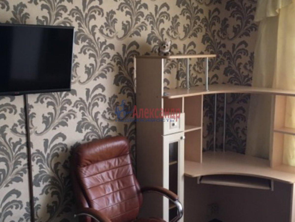 Комната в 2-комнатной квартире (48м2) в аренду по адресу Зои Космодемьянской ул., 3— фото 2 из 4