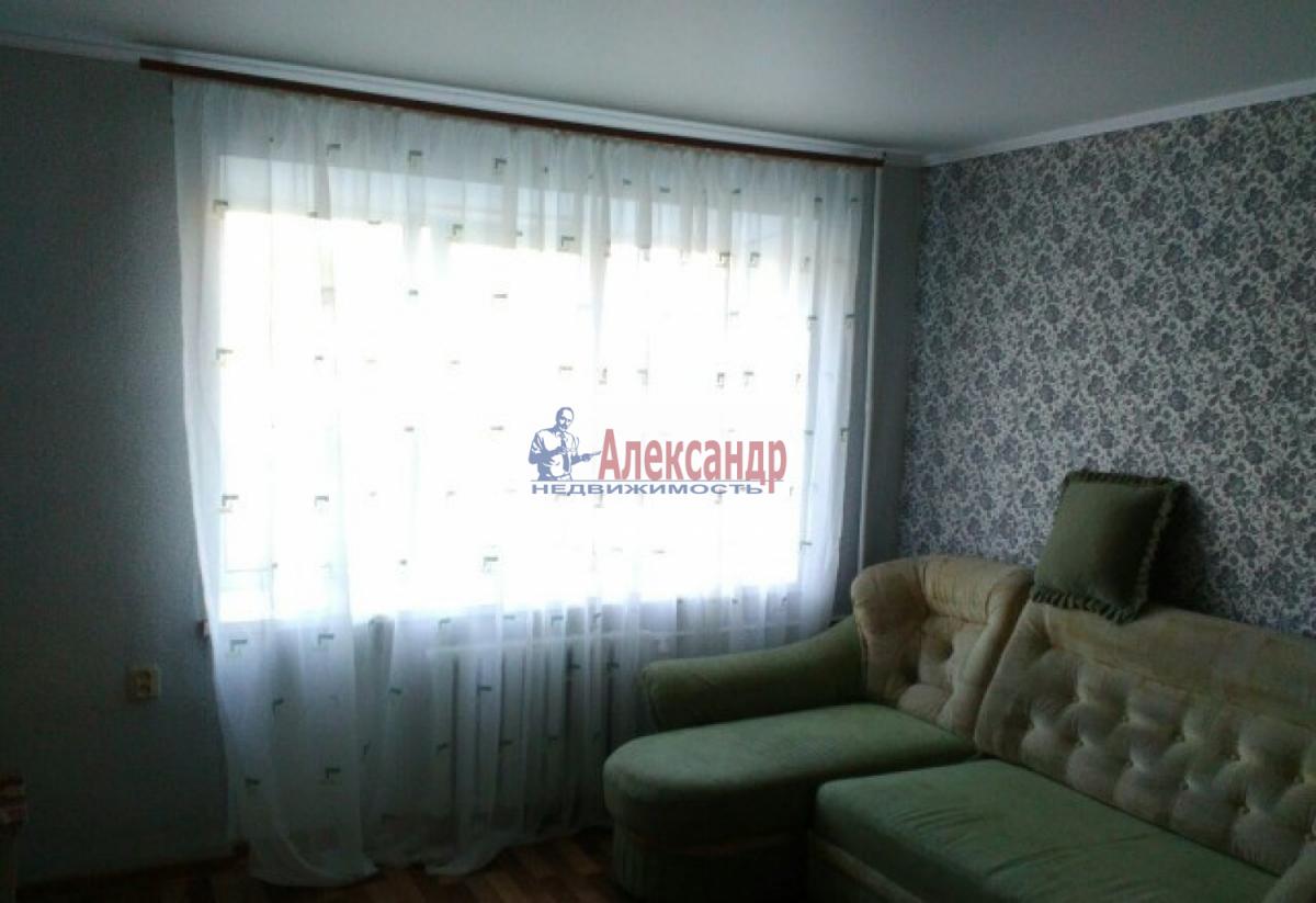 Комната в 4-комнатной квартире (88м2) в аренду по адресу Большой пр., 62— фото 2 из 4