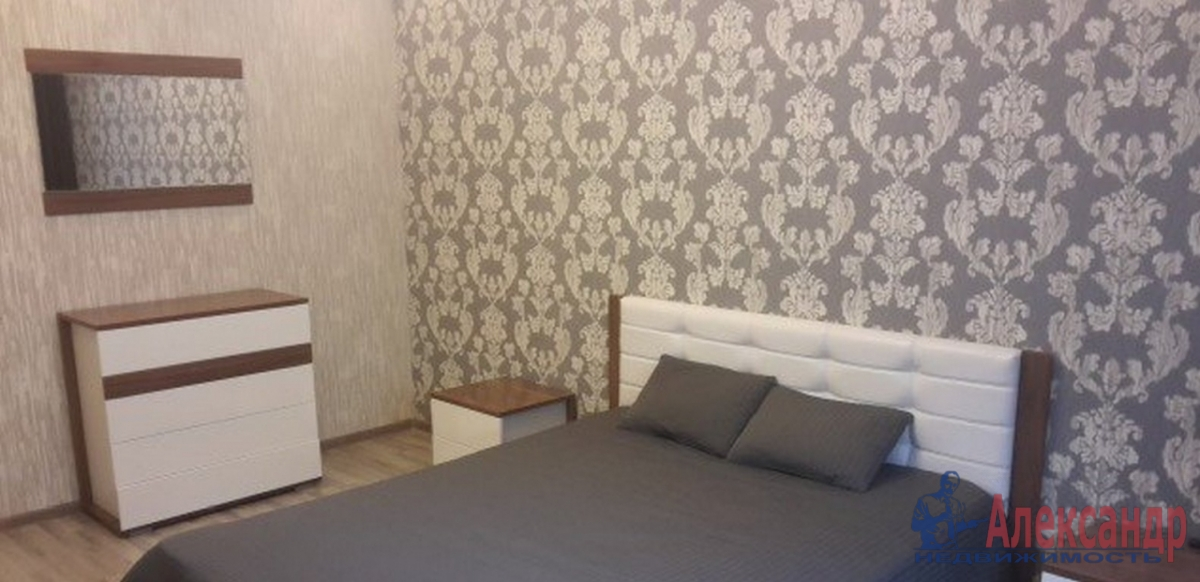2-комнатная квартира (80м2) в аренду по адресу Воскресенская наб., 4— фото 2 из 4