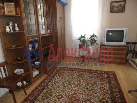 1-комнатная квартира (35м2) в аренду по адресу Пражская ул., 22— фото 1 из 2