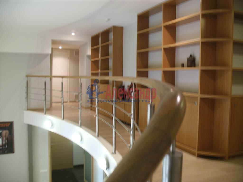 3-комнатная квартира (130м2) в аренду по адресу Миллионная ул.— фото 13 из 45