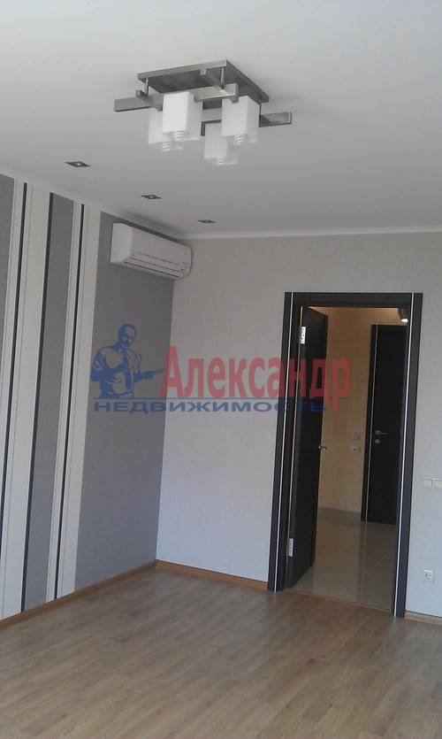 2-комнатная квартира (75м2) в аренду по адресу Наставников пр., 3— фото 6 из 13