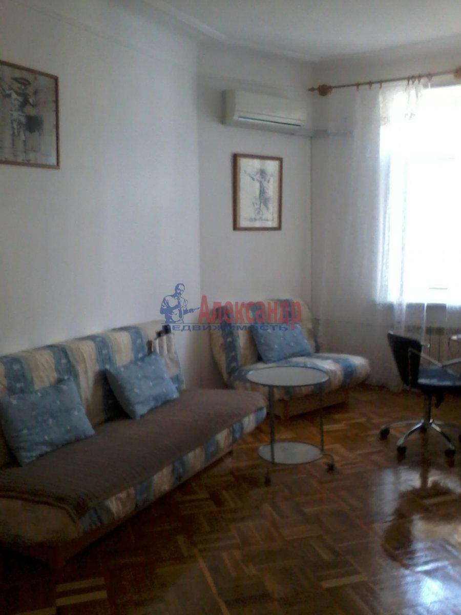 3-комнатная квартира (60м2) в аренду по адресу Чайковского ул., 51— фото 1 из 10