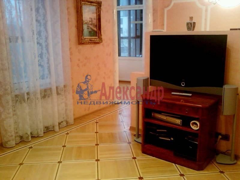 3-комнатная квартира (140м2) в аренду по адресу Петровский пр., 1— фото 6 из 12