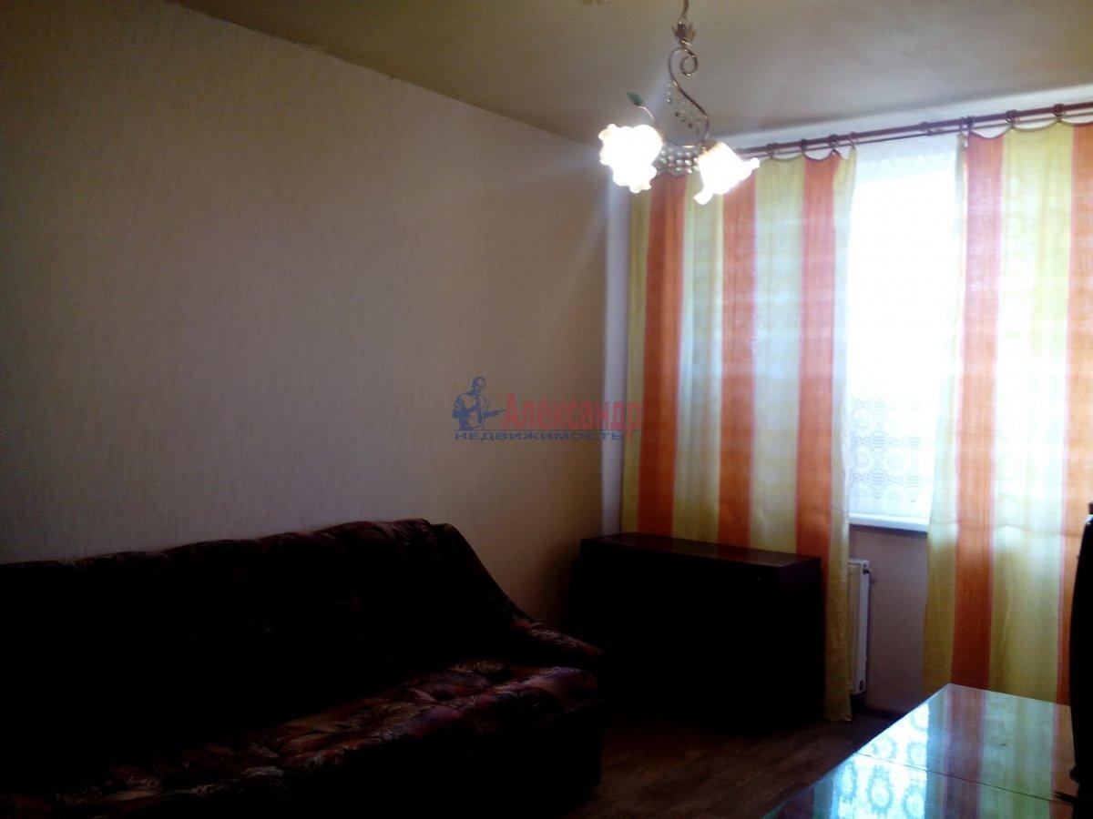 2-комнатная квартира (50м2) в аренду по адресу Белградская ул., 28— фото 1 из 3