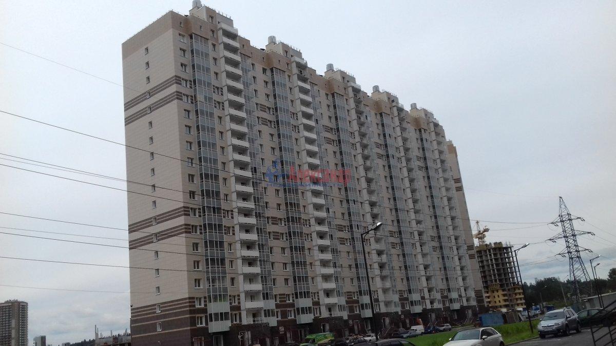 3-комнатная квартира (60м2) в аренду по адресу Михаила Дудина ул., 12— фото 15 из 23