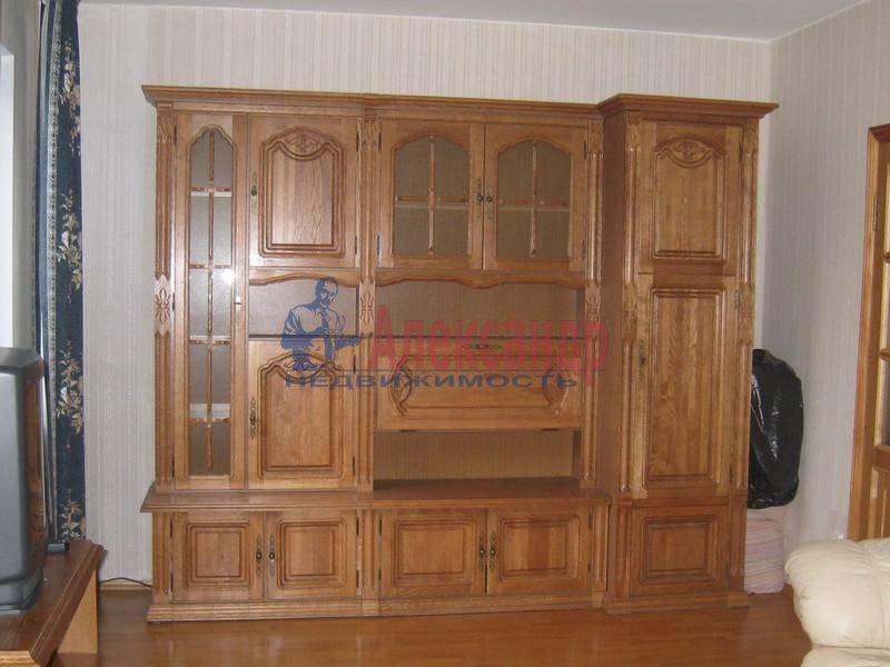 3-комнатная квартира (65м2) в аренду по адресу Кораблестроителей ул., 46— фото 5 из 8