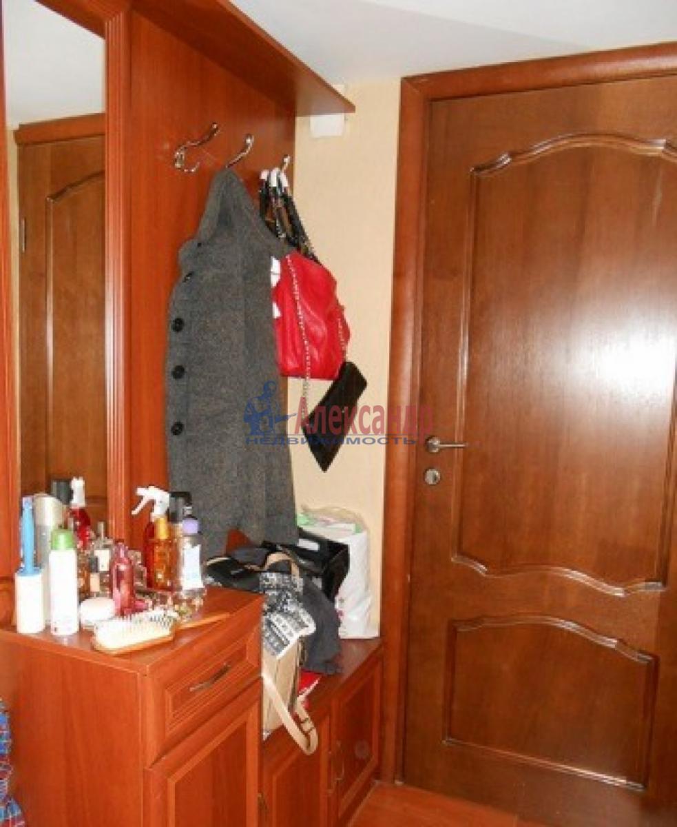 1-комнатная квартира (30м2) в аренду по адресу Звездная ул., 18— фото 10 из 10