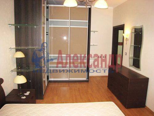 2-комнатная квартира (65м2) в аренду по адресу Бассейная ул., 10— фото 8 из 10