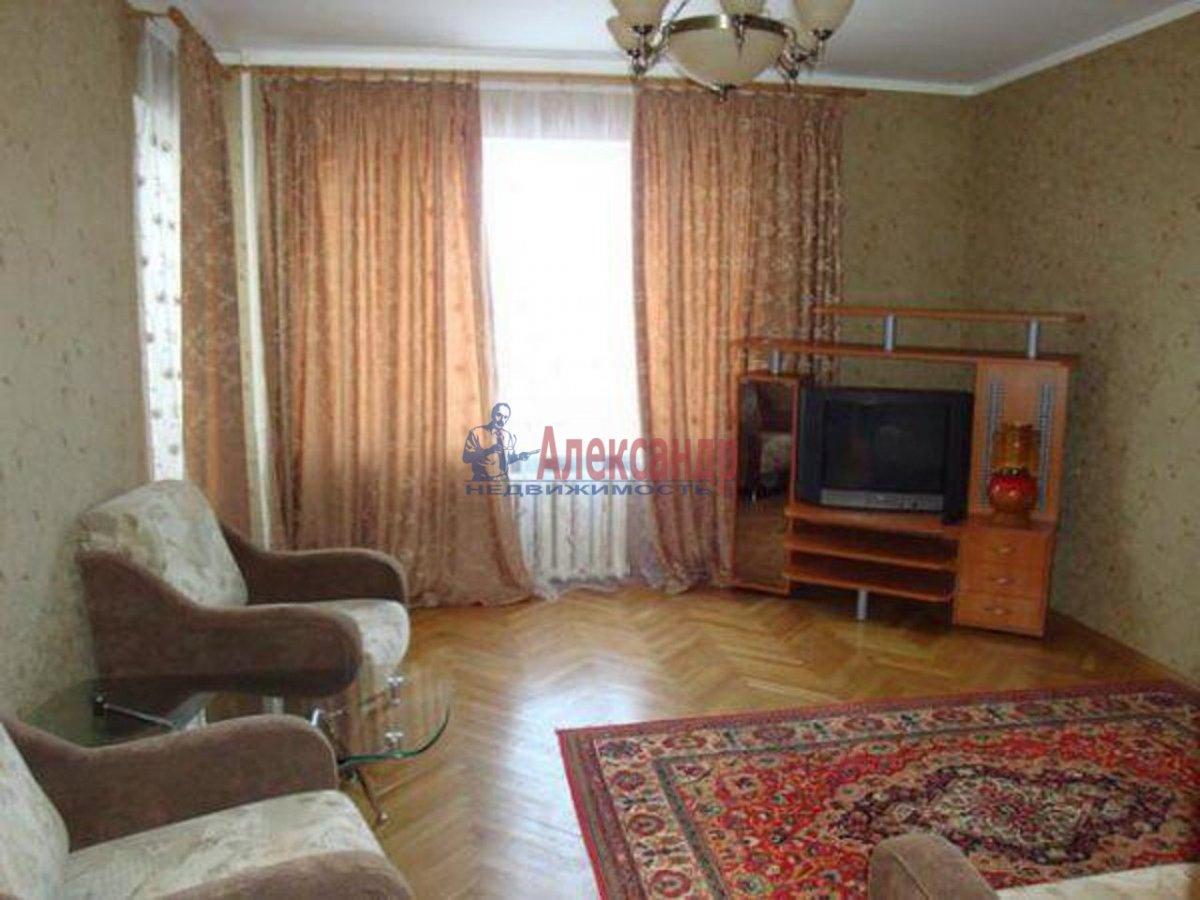 3-комнатная квартира (130м2) в аренду по адресу Есенина ул., 26— фото 1 из 1