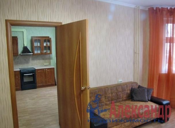 2-комнатная квартира (67м2) в аренду по адресу Пулковская ул., 6— фото 2 из 5