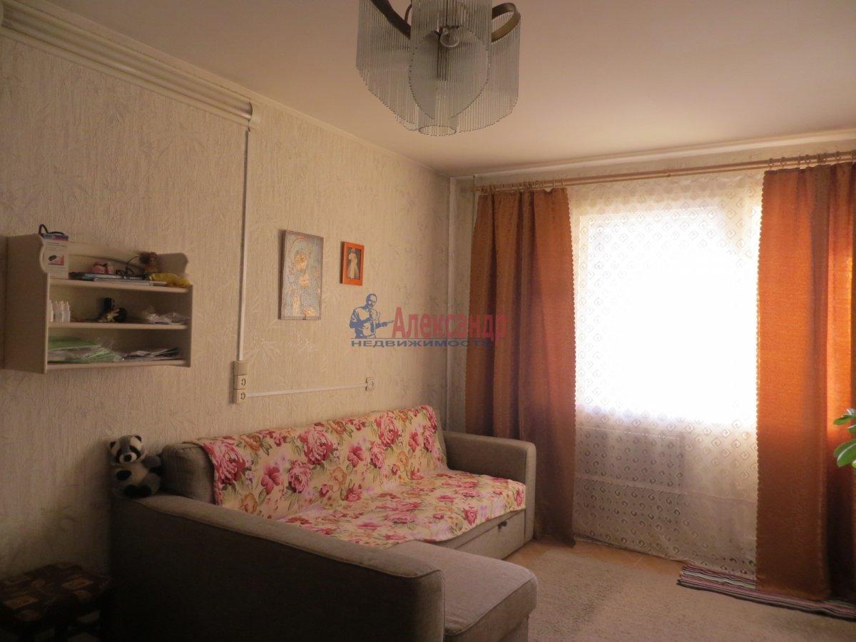 1-комнатная квартира (35м2) в аренду по адресу Большевиков пр., 57— фото 1 из 3