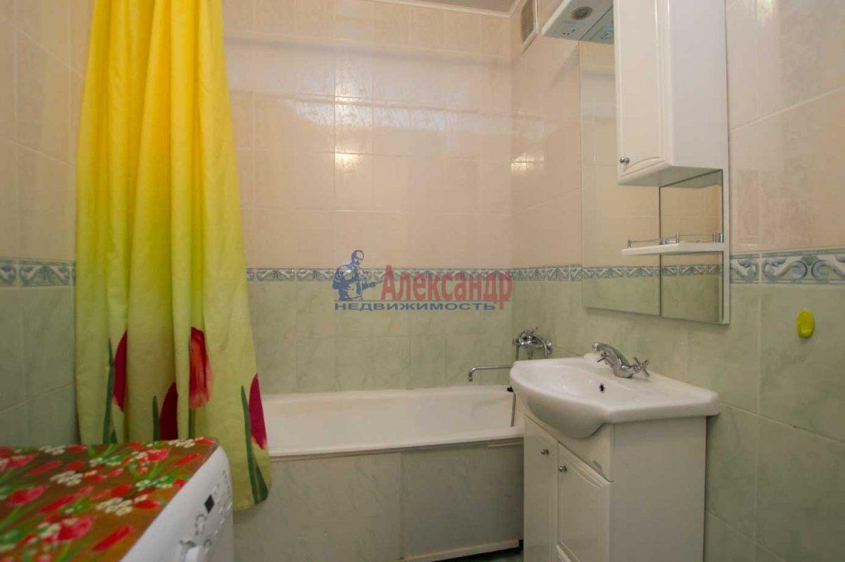1-комнатная квартира (40м2) в аренду по адресу Кораблестроителей ул., 32— фото 4 из 6