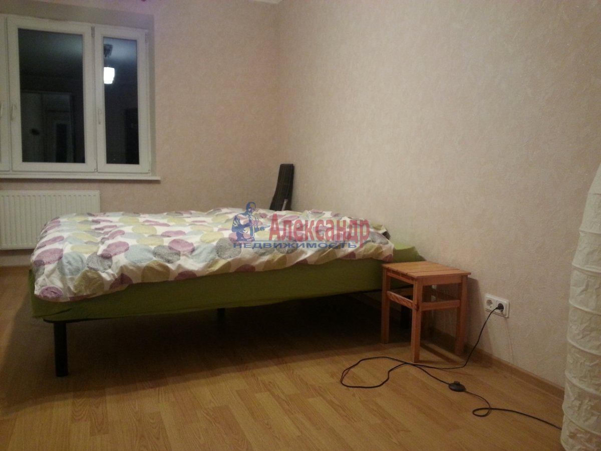 1-комнатная квартира (44м2) в аренду по адресу Беринга ул., 23— фото 3 из 8