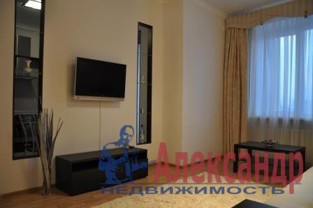 2-комнатная квартира (65м2) в аренду по адресу Варшавская ул., 19— фото 1 из 3