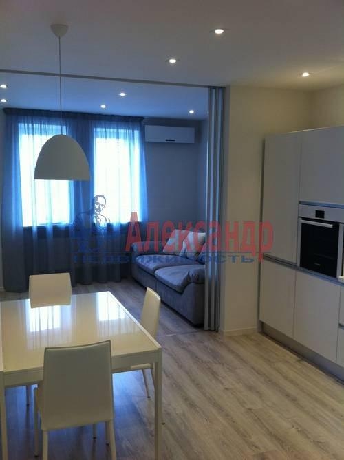 3-комнатная квартира (87м2) в аренду по адресу Комендантский пр., 53— фото 2 из 6