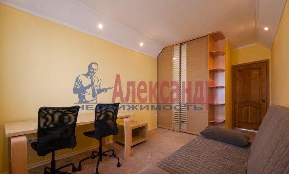 3-комнатная квартира (84м2) в аренду по адресу Бассейная ул., 10— фото 8 из 10