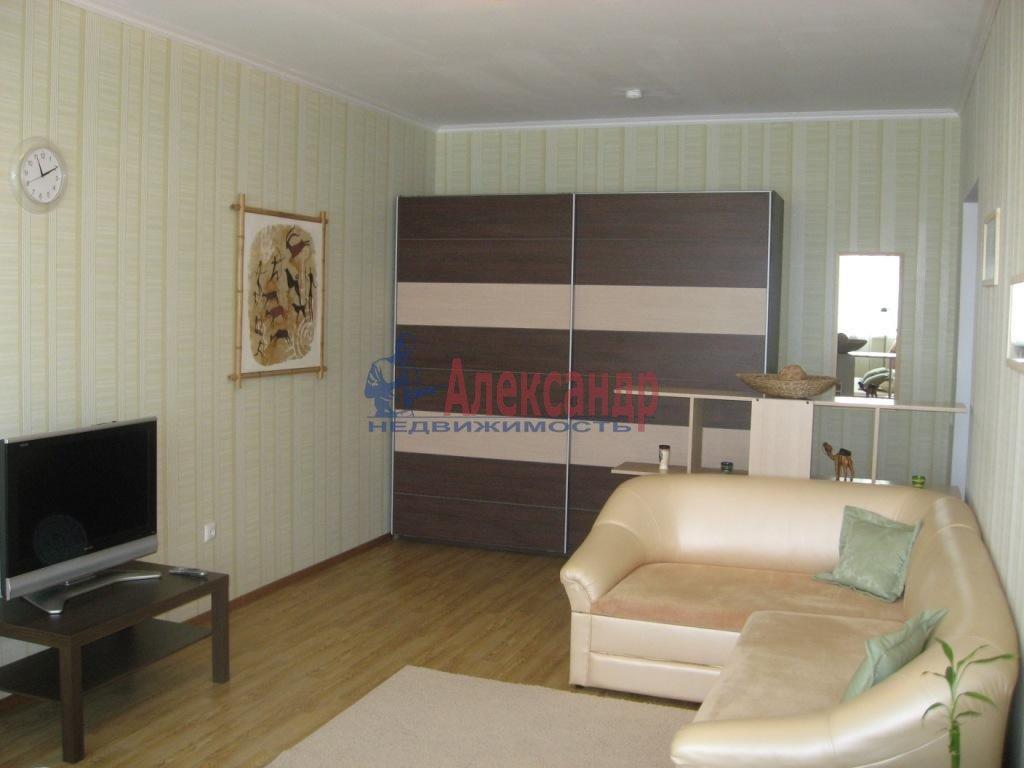 2-комнатная квартира (65м2) в аренду по адресу Земский пер., 17— фото 1 из 1