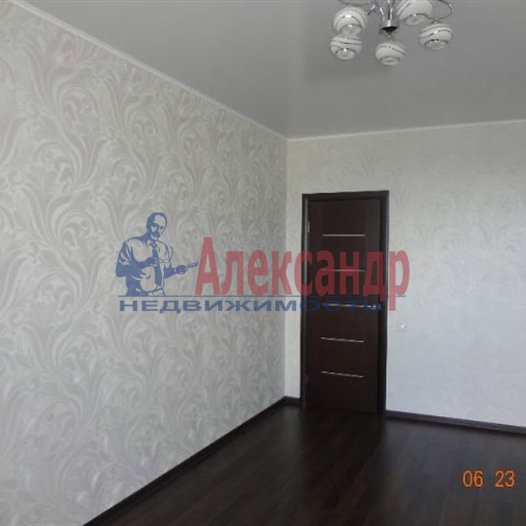 2-комнатная квартира (62м2) в аренду по адресу Адмирала Трибуца ул., 5— фото 2 из 6