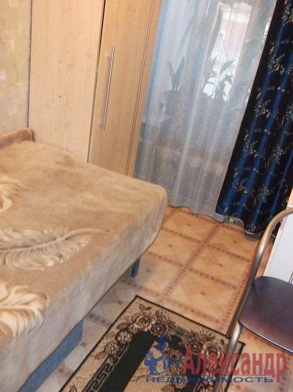 Комната в 3-комнатной квартире (65м2) в аренду по адресу Большая Пушкарская ул., 88— фото 1 из 3