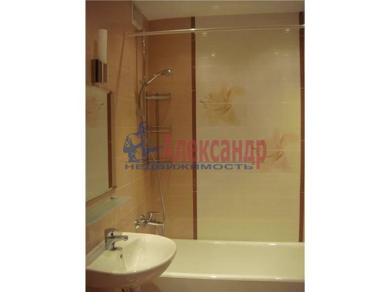 2-комнатная квартира (62м2) в аренду по адресу Матроса Железняка ул., 57— фото 2 из 6