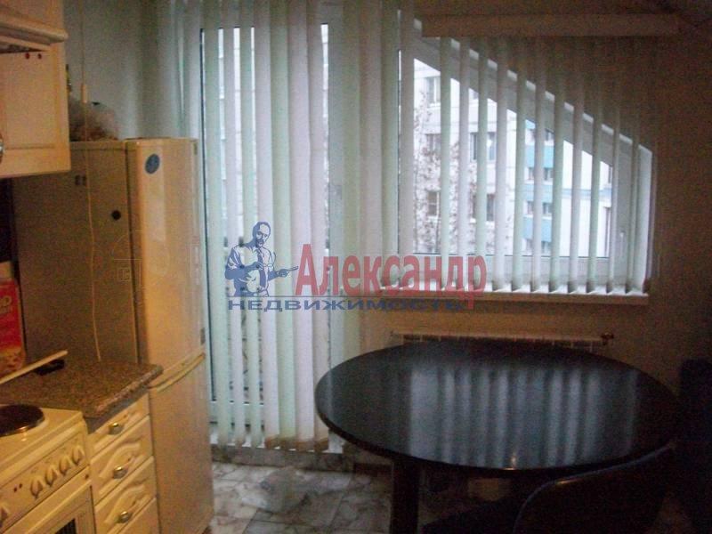 1-комнатная квартира (50м2) в аренду по адресу Морская наб., 31— фото 3 из 3