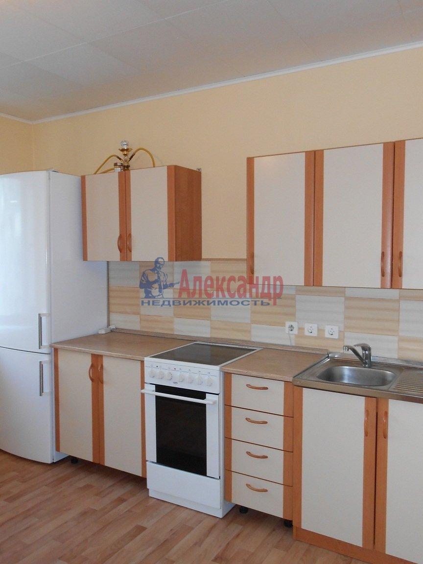 3-комнатная квартира (83м2) в аренду по адресу Камышовая ул., 54— фото 1 из 4