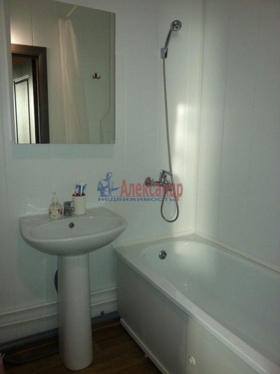 1-комнатная квартира (41м2) в аренду по адресу Мурино пос., Авиаторов Балтики пр., 5— фото 6 из 9
