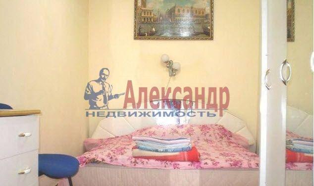 2-комнатная квартира (70м2) в аренду по адресу Просвещения просп., 99— фото 2 из 3