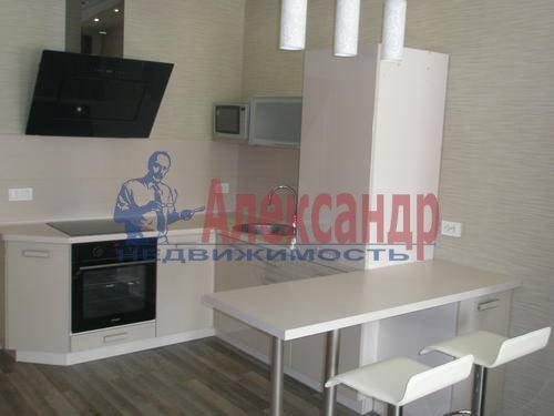 2-комнатная квартира (68м2) в аренду по адресу Комендантская пл., 6— фото 2 из 10
