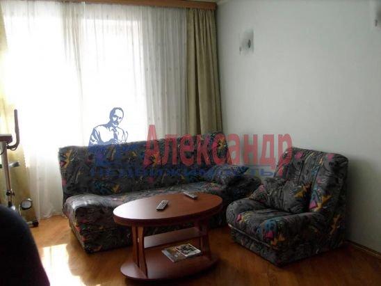 2-комнатная квартира (48м2) в аренду по адресу Куйбышева ул.— фото 2 из 6
