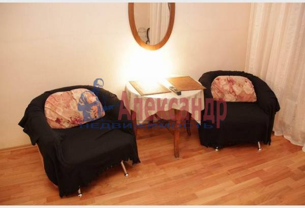 1-комнатная квартира (32м2) в аренду по адресу Адмиралтейский пр., 10— фото 5 из 8