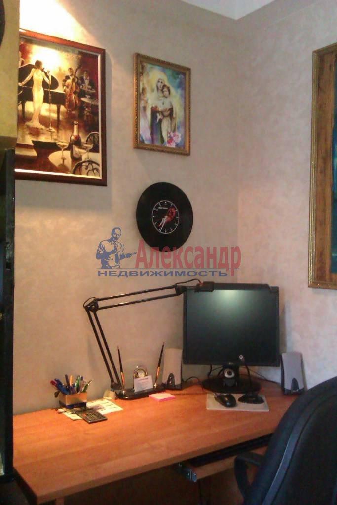 3-комнатная квартира (65м2) в аренду по адресу Большевиков пр., 9— фото 9 из 10