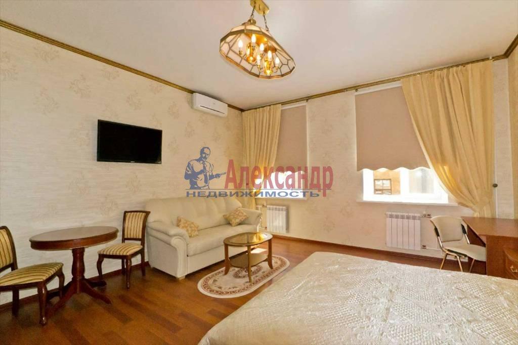 2-комнатная квартира (65м2) в аренду по адресу Савушкина ул., 11— фото 3 из 9