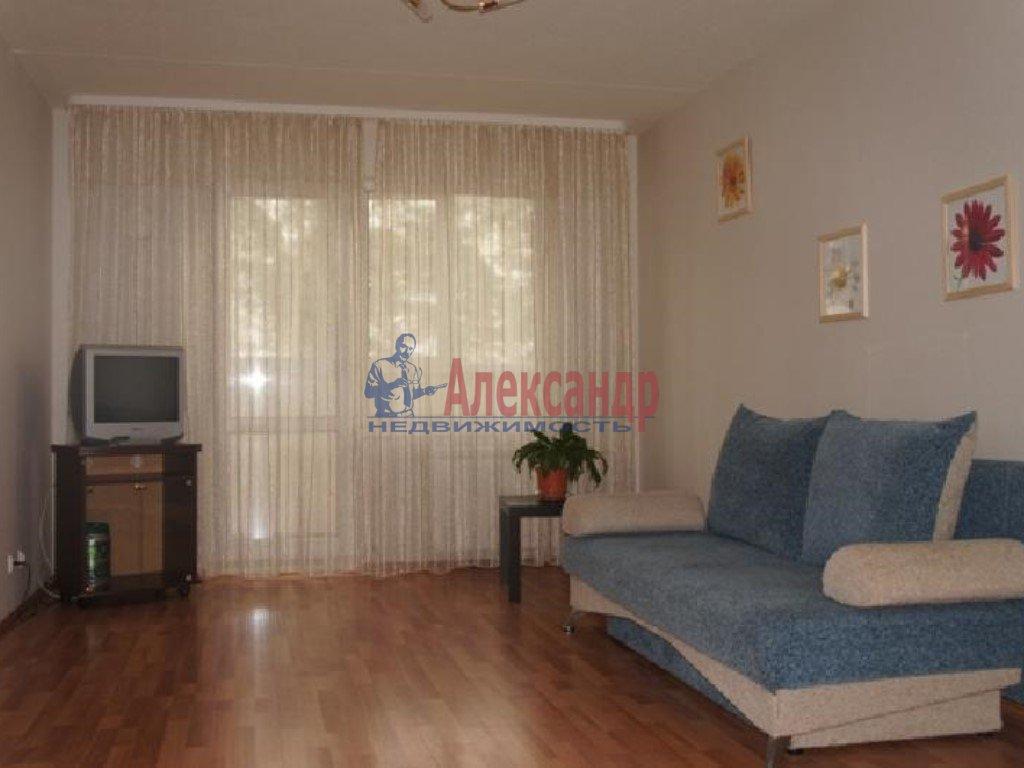 2-комнатная квартира (70м2) в аренду по адресу Просвещения пр., 53— фото 2 из 2