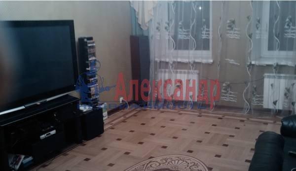 4-комнатная квартира (140м2) в аренду по адресу Большой пр., 82— фото 1 из 5