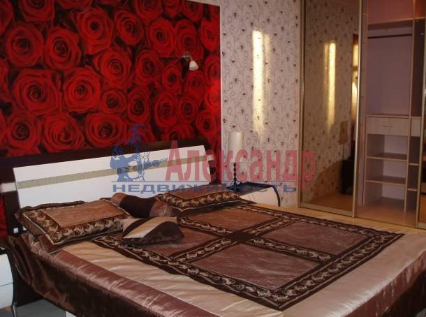 2-комнатная квартира (78м2) в аренду по адресу Морская наб., 37— фото 2 из 5