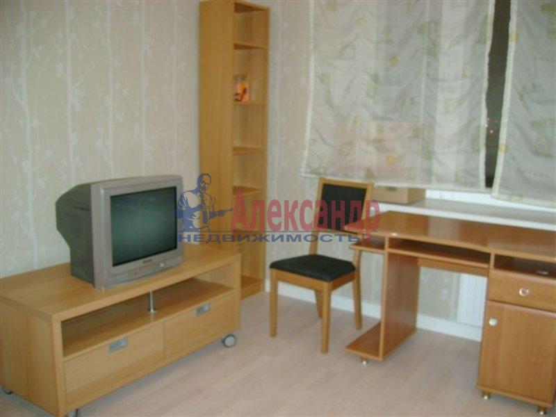 1-комнатная квартира (35м2) в аренду по адресу Ярослава Гашека ул., 7— фото 3 из 5