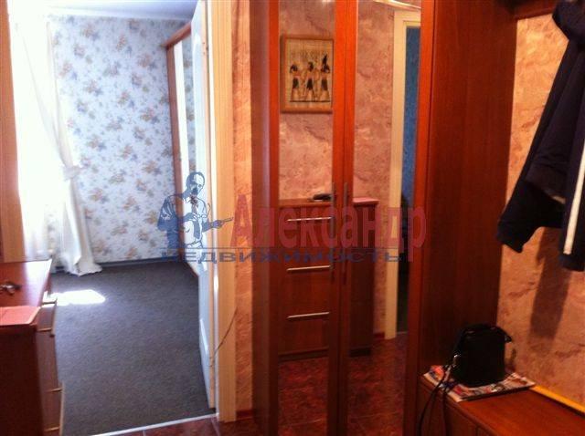 2-комнатная квартира (50м2) в аренду по адресу Передовиков ул., 11— фото 3 из 9